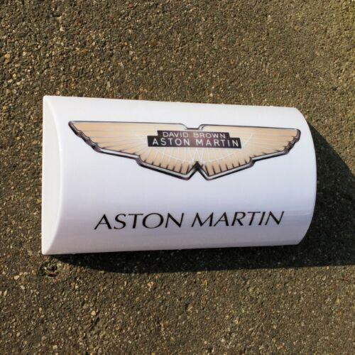 ASTON MARTIN LED ILLUMINATED LIGHT UP GARAGE SIGN AUTOMOBILIA GAS OIL JAMES BOND