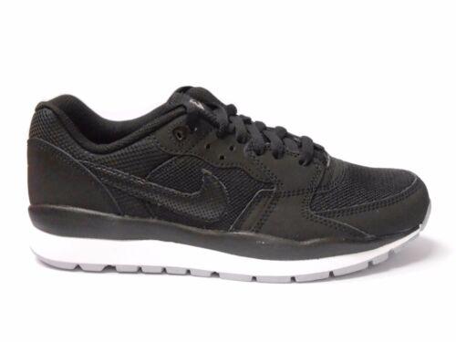 Nike Air Coursevent Garçons Filles Taille UK 5 noir blanc Chaussures Course RRP £ 50//