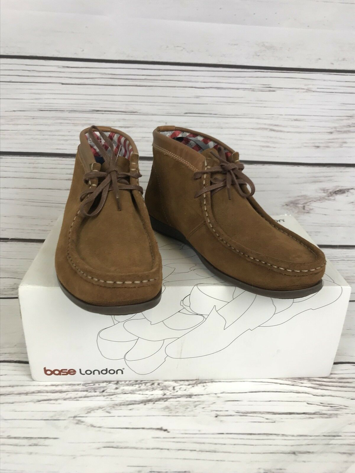 Uomo/Boys BASE London Tan Suede Leder Ankle Chukka Stiefel UK 7 (41) BNIB