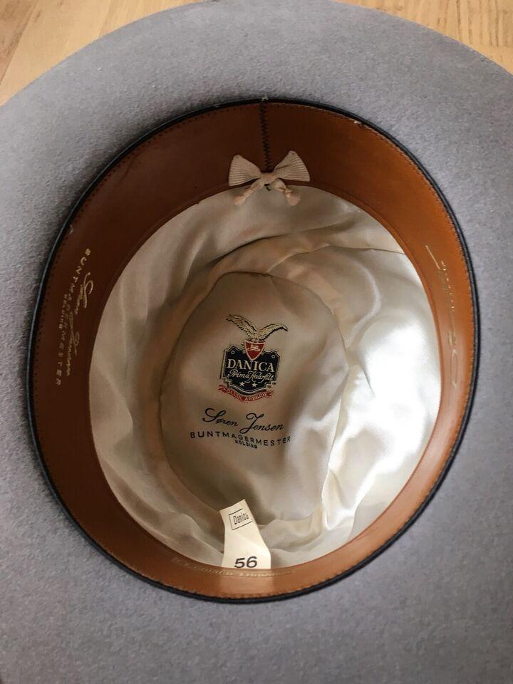 Hat, Danica Hatte + Bowlerhat, str. 56