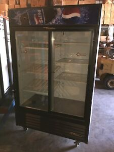 True Gdm 45 Sliding Glass 2 Door Cooler Refrigerator