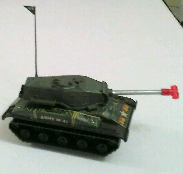 Vintage Battery operated Army Tank M.41       ( Boxed  )