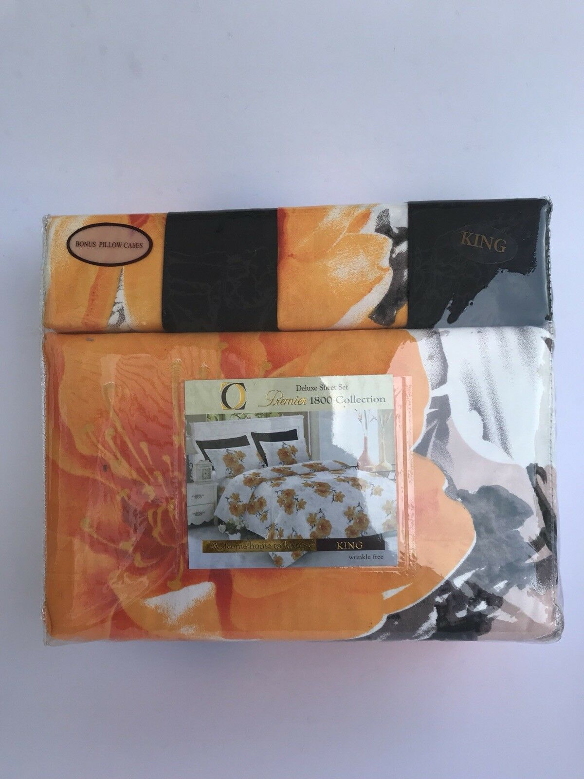 6 Piece Queen sized bed sheets. Set Comes With 4 Pillow Cases.