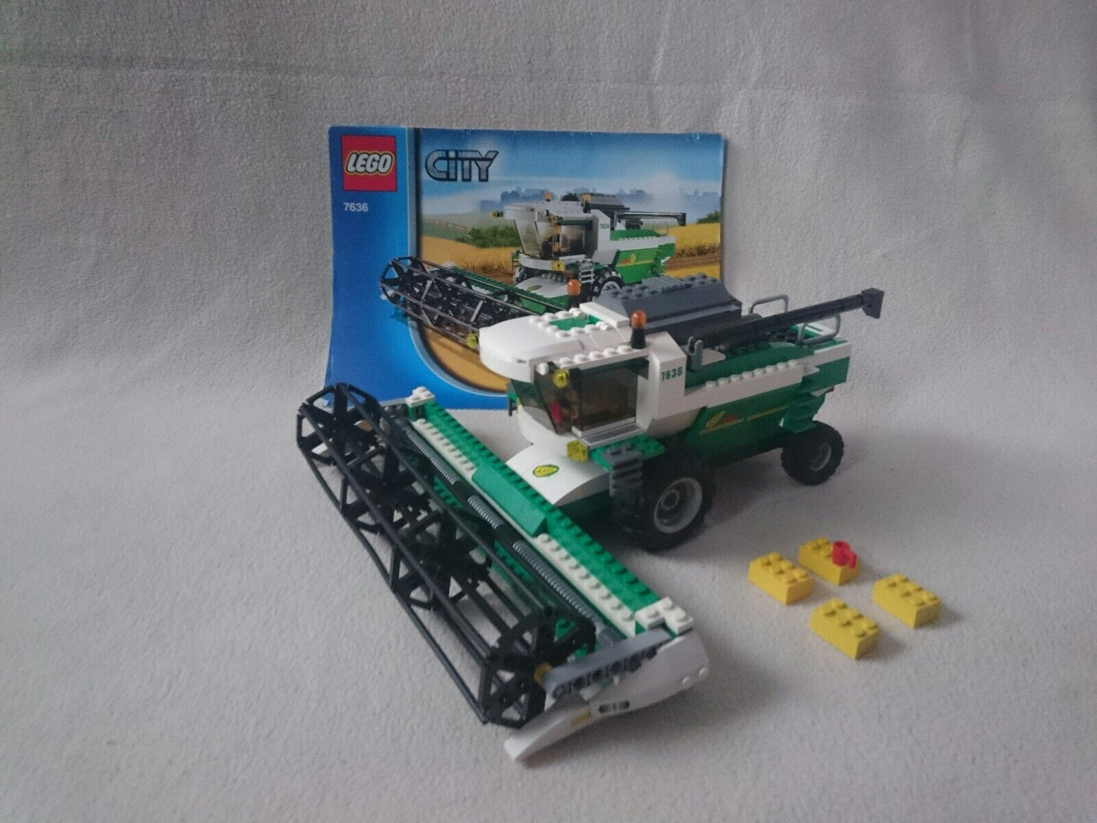 LEGO CITY 7636. Combine Harvester. 100 % Complete with Instructions