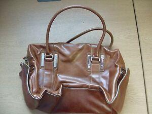 Ladies-Handbag-Fiorelli-brown-faux-leather-bowling-bag-14x9x5-034-handles-3419
