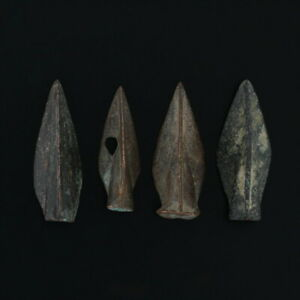 Ancient-Arrowheads-Triblade-Trilobate-Pyramid-Weaponry-Patinaed-Lot-of-4