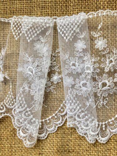 """Délicate large brodé ivoire français tulle dentelle 15.5 cm//6/"""" Trim Bridal"""