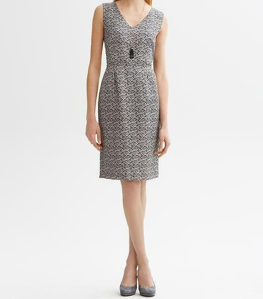 BANANA REPUBLIC Serena Printed V-neck Sheath Dress Größe 0 Petite, 6 Petite, 10