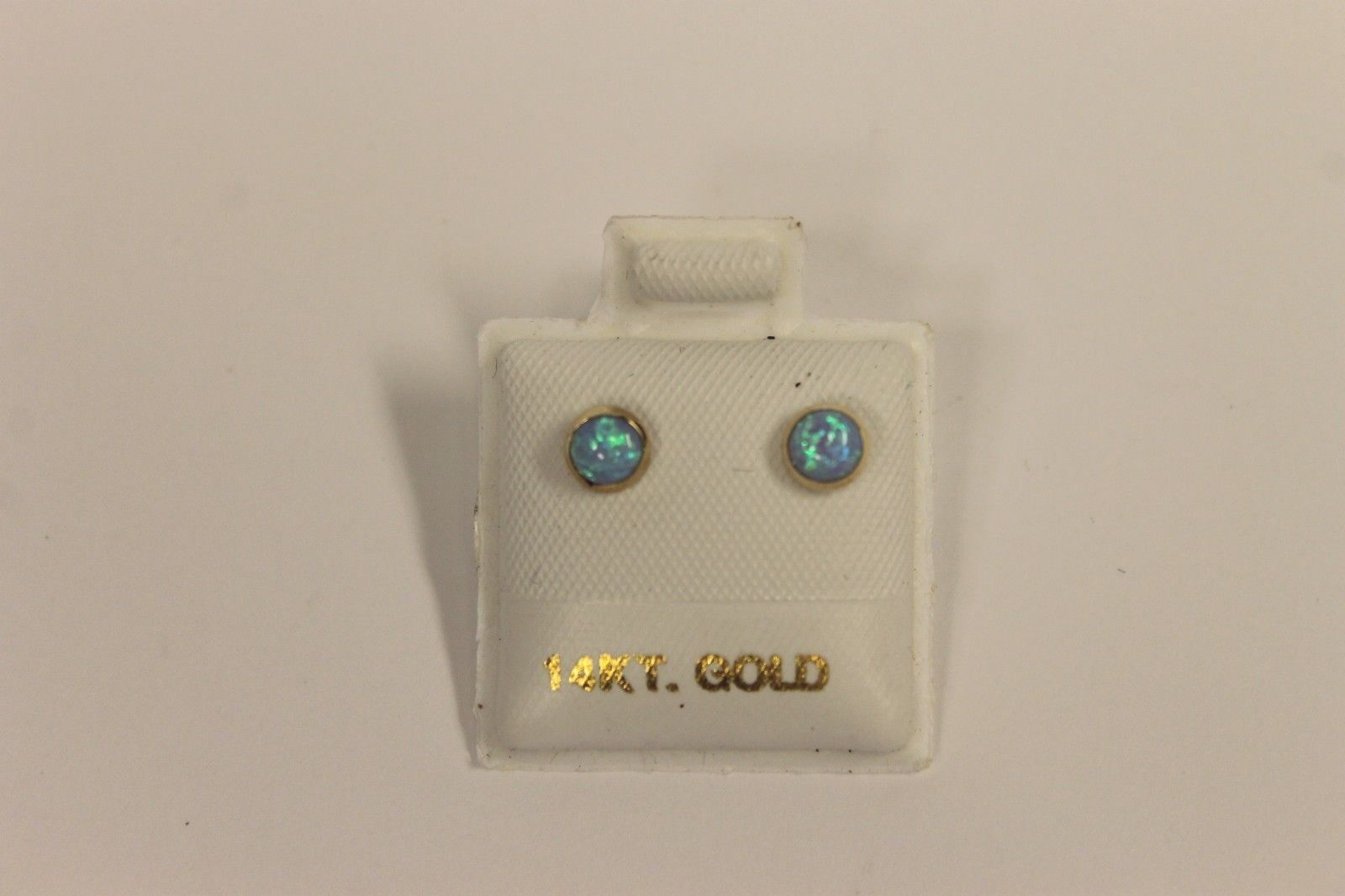 Beautiful 14k Yellow gold Opal Earrings T2 21