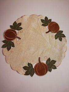 2pcs-Thanksgiving-Embroidered-Pumpkin-Cut-Work-Organza-Lining-Placemat-16-034