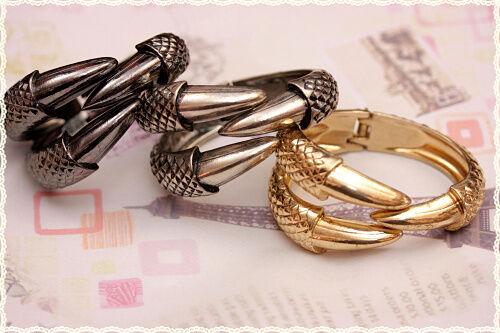 Bracciale rigido a molla in metallo artiglio claw  dragon bracelet