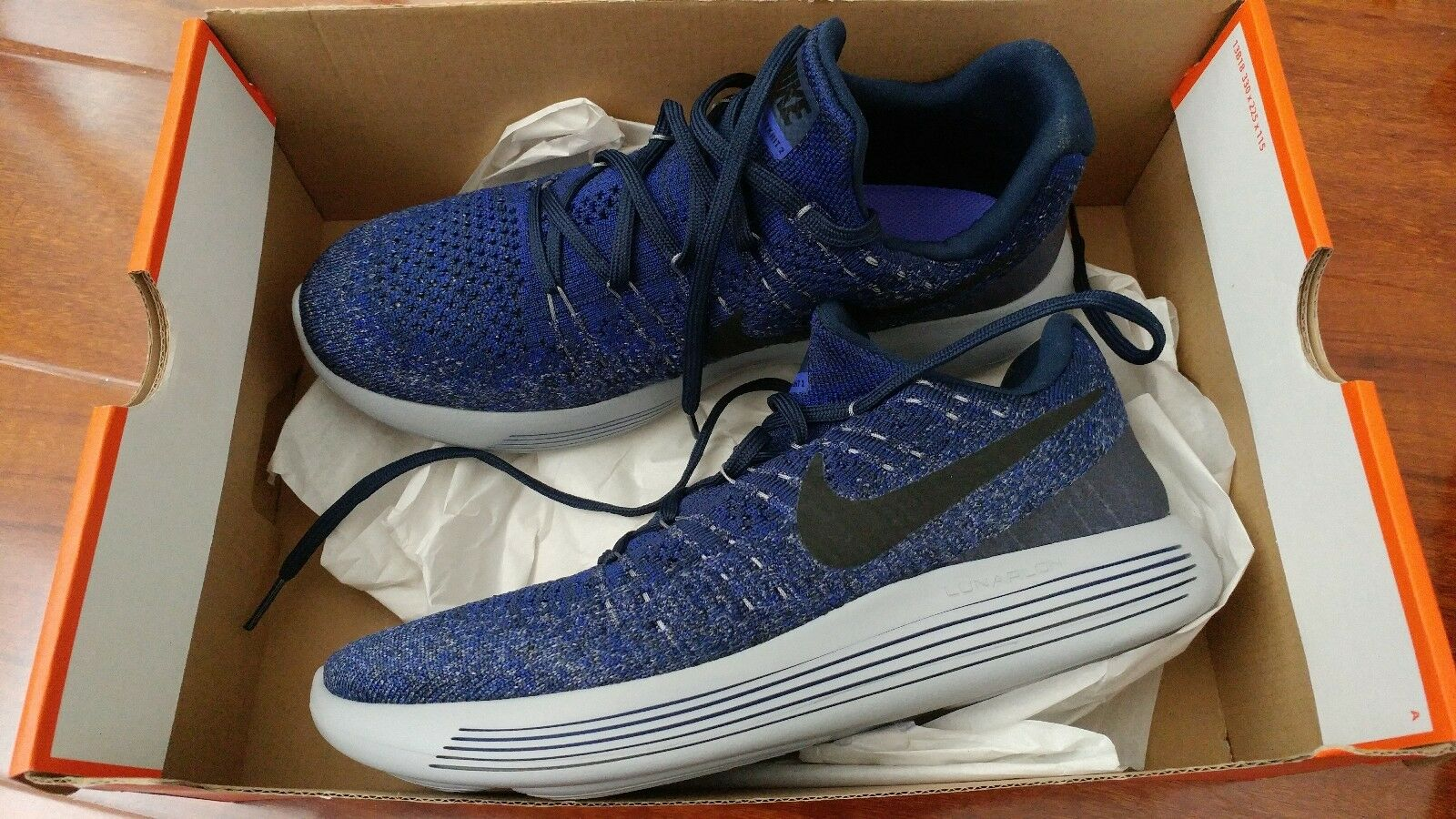 NIKE LUNAREPIC FLYKNIT 2. Mens Size 8.5 . RUNNING SHOES NAVY.  NEW 863779-406