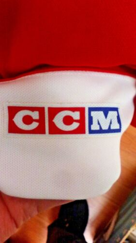 CCM HOCKEY JERSEY BASIC RED /& WHITE MENS SMALL AND MEDIUM NEW W//OUT TAGS