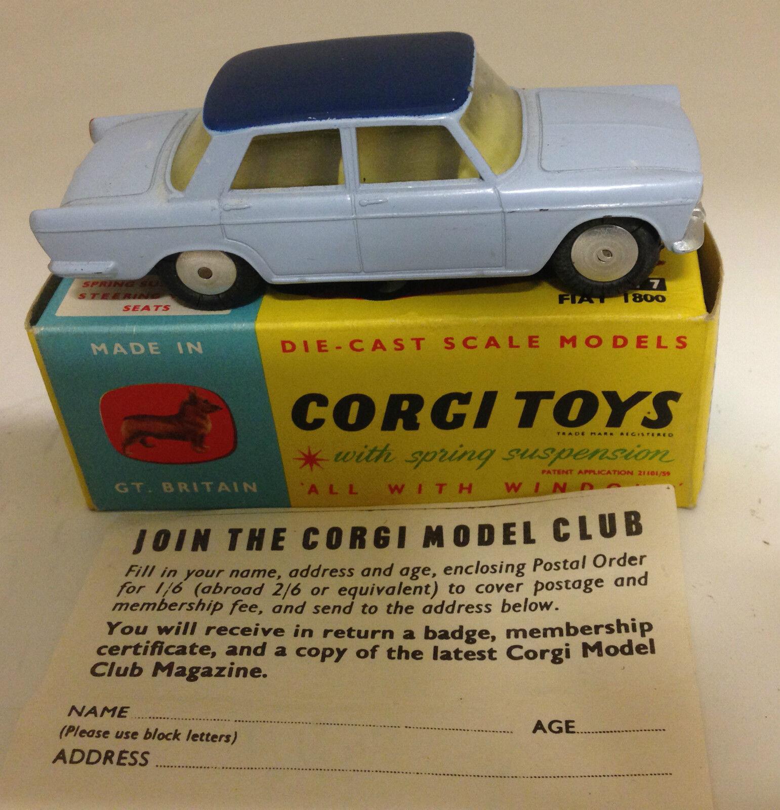 CORGI 217 Fiat 1800 bleu pâle avec bleu foncé toit  Original & Coffret