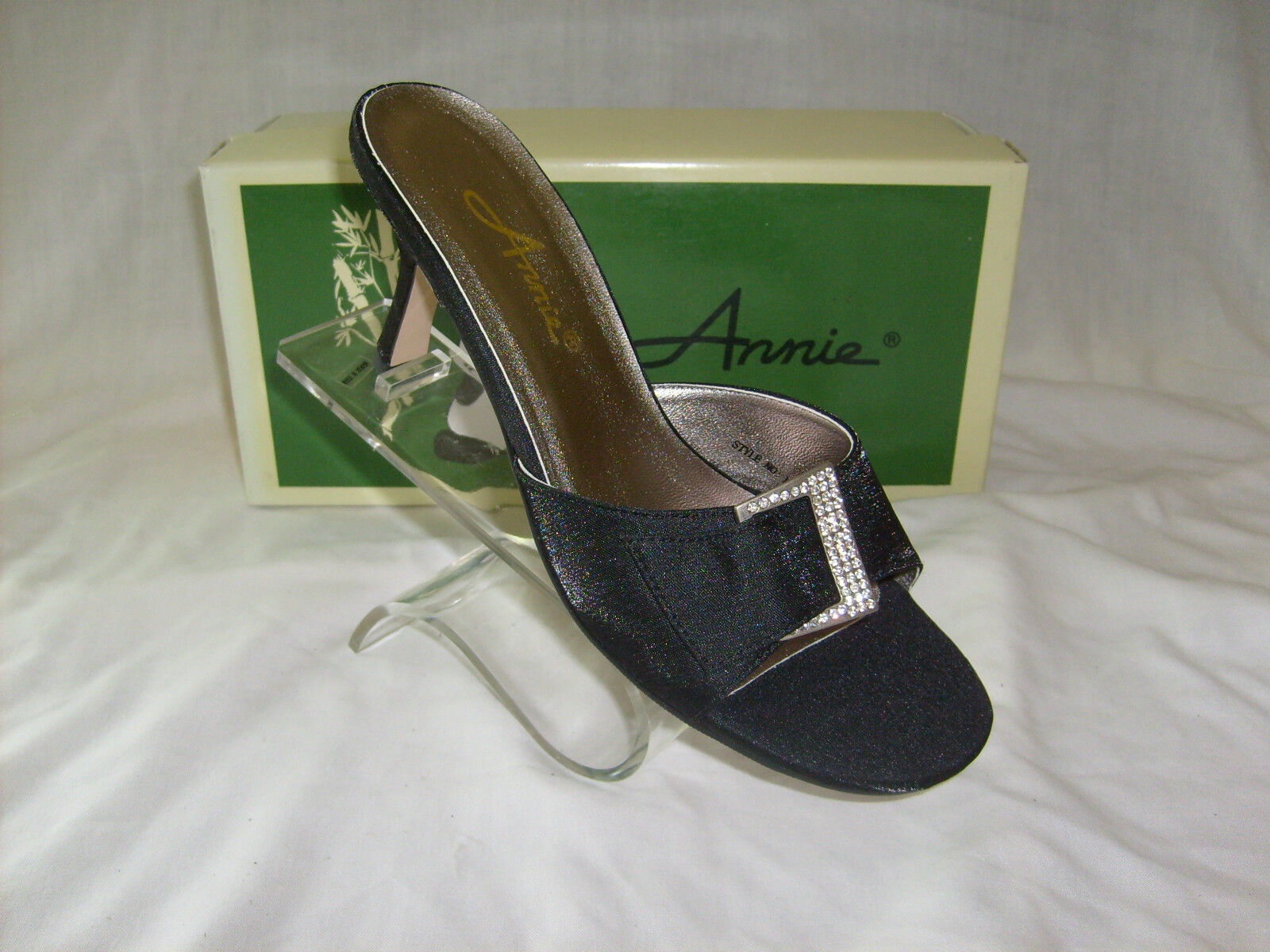 ANNIE (SIKA)  BLACK SATIN 3 INCH HEEL SIZE 7 MED NEW IN BOX