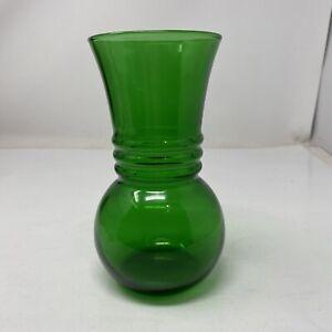 Vintage-Anchor-Hocking-Forest-Green-Glass-Ribbed-Vase-6-034-GOOD