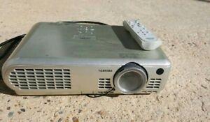 HonnêTe Toshiba Projecteur Ct901085-afficher Le Titre D'origine Artisanat Exquis;