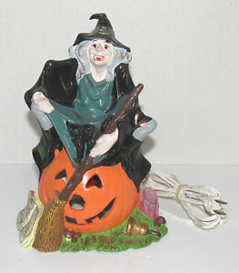Vintage-Halloween-Witch-on-a-Pumpkin-JOL-Light-Byron-Mold-1972