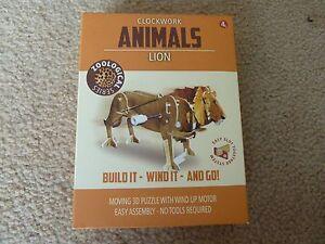 3d Clockwork Wind-up Animaux Zoological Series Fente Ensemble Lion 4 Cm Tall-afficher Le Titre D'origine