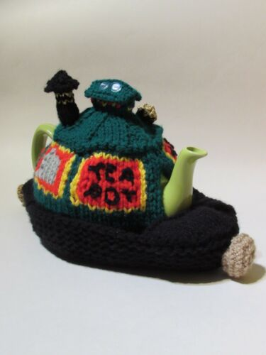 knit your own boat cosy British Waterways Narrowboat Tea Cosy Knitting Pattern