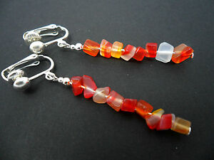 A-PRETTY-PAIR-OF-RED-CLEAR-AMBER-CHIPS-DANGLY-CLIP-ON-EARRINGS-NEW