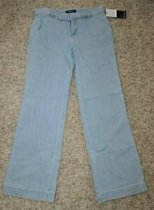 NWT-49-Womens-Daisy-Fuentes-Light-Blue-Denim-Relaxed-Jeans-size-6