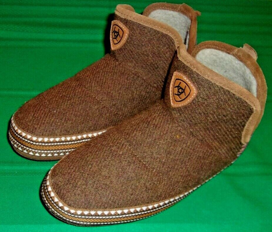 Ariat, Slippers(AR2238-212) for Women, Size 6.5 - 7 B - Excellent Condition!!!!