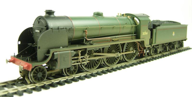 Hornby R2581 Class N15 4-6-0 30764  Gawain  in BR verde weatherosso BRAND NEW