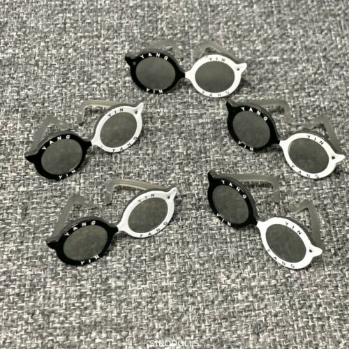 Lote 5 Acessórios Óculos Original Roupa Para Bonecas Lol Surpresa Brinquedo yinyang