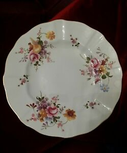 Royal-Crown-Derby-English-Bone-China-Posies-pattern-10-034-Fluted-Dinner-plate-RARE