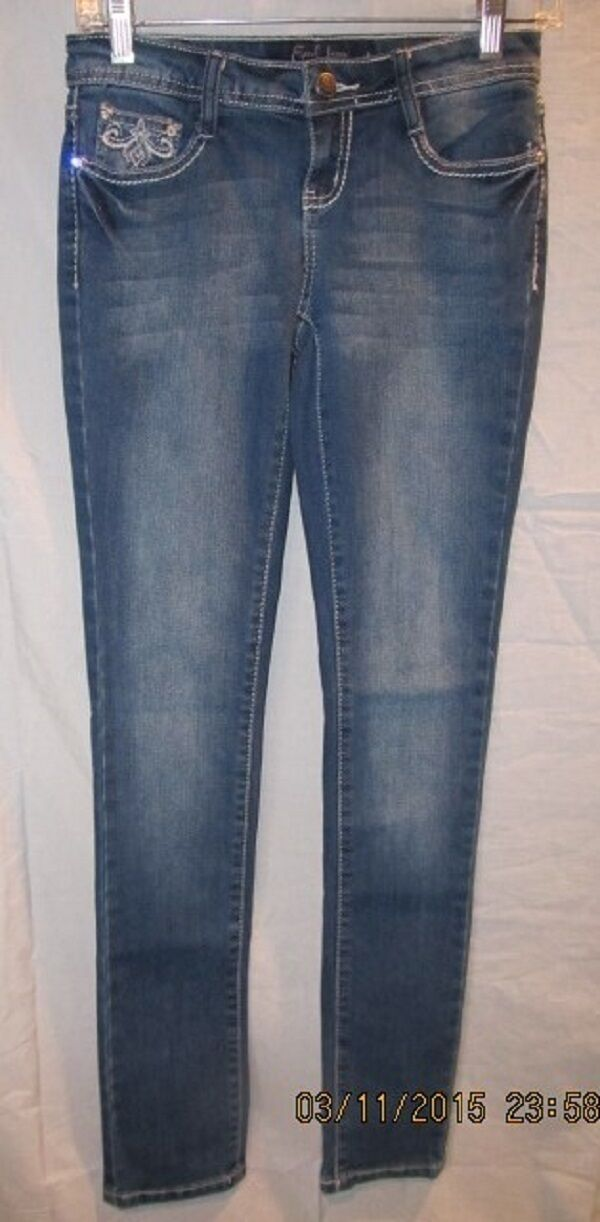 EARL blueE JEANS WITH BLING EMBELLISHMENTS SZ 1 NWOTS  198 RETAIL