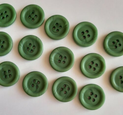 B0521 10 x 20mm Large Round Green Plastic Buttons