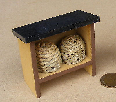 1:12 Scale 2 Wicker Bee Hives On A Wooden Stand Dolls House Garden Accessory