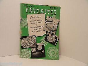 Vintage-Craft-Booklet-205-Old-New-Crochet-Favorites-Tableclothes-1944