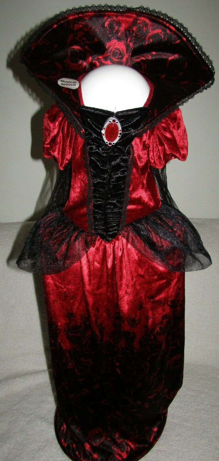 Halloween Deluxe Vampiress Dress With Musical Brooch Age 9-10 Years Brand New WL