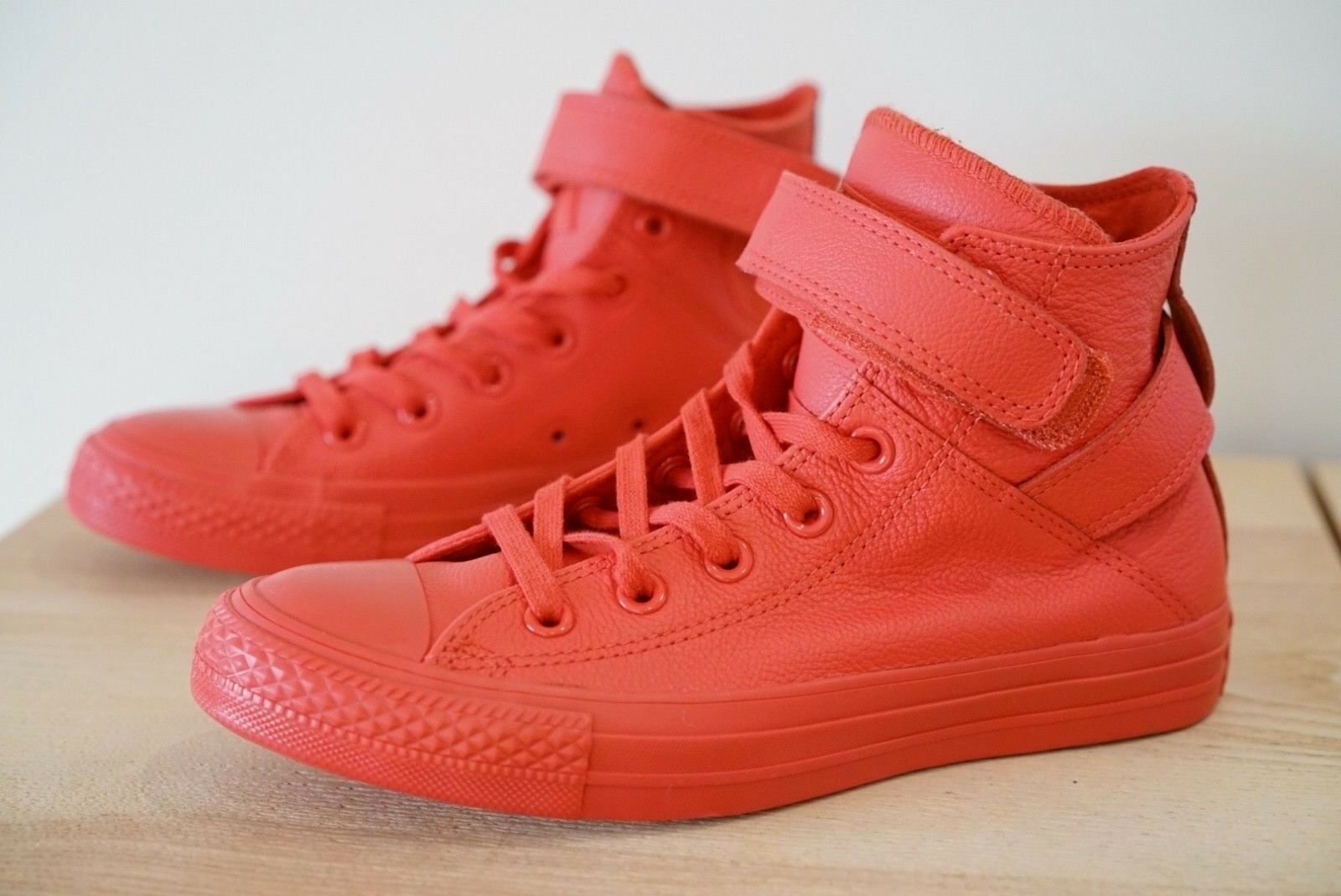 e3b1b0989272 Converse All Star 551584c Unisex Trainers Leather Red Shoes 3 UK