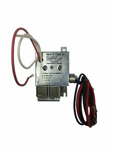 honeywell r841c1029 240v electric heater relay with spst switching rh ebay com Bad Heater Relay Board Base Board Heater Relay