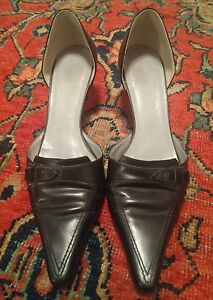 BCBG Women's Slip-on Pointed Toe Black Leather Heel Shoes, size 6.5