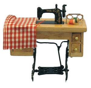 DOLLS-HOUSE-1-12th-SCALE-TREADLE-SEWING-MACHINE-WITH-ACCESSORIES