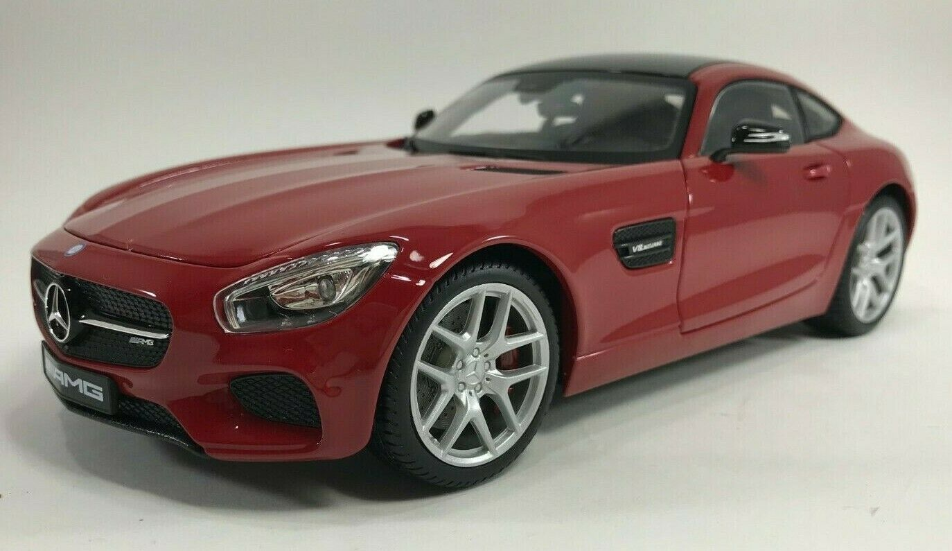 Maisto - 38131 - Mercedes-Benz AMG GT - Exclusive Edition - Scale 1 18 - rouge