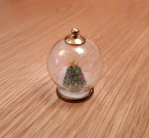 1-12-Dolls-House-miniature-Christmas-Tree-Globe-Ornament-Decoration-bauble-LGW