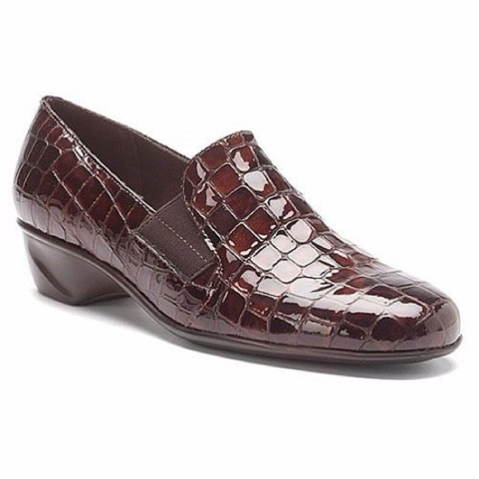 prezzo basso WALKING CRADLES Ladies TERI Patent Leather Marrone Snake Print Print Print Loafers Sz. 6 M NIB  godendo i tuoi acquisti