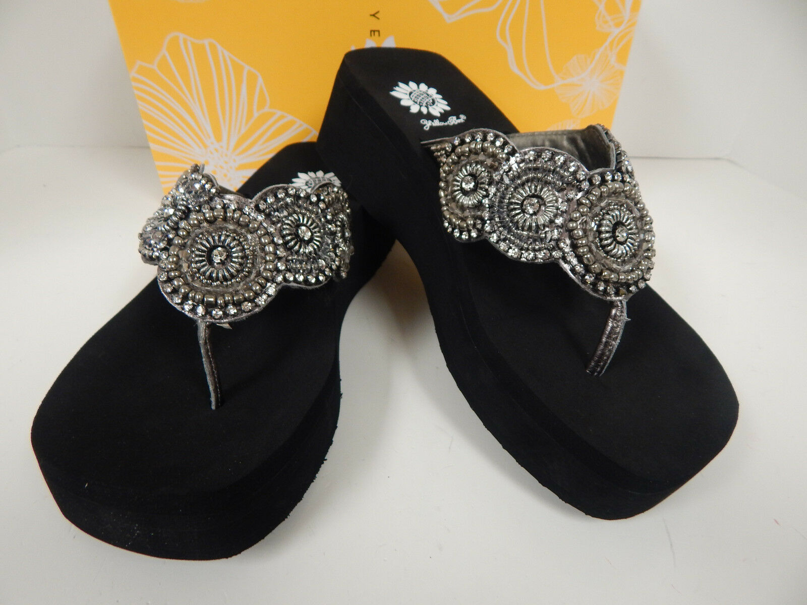 Yellow Box Vidania 24897 Pewter Lea Upper W  Ornate Design Flip Flops