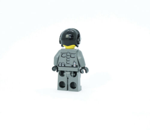 Lego Officer 7 5974 Space Police III Minifigure