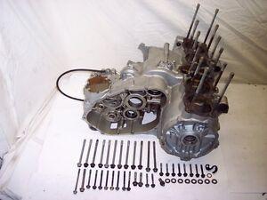 79-80-81-82-Yamaha-XS1100-H-XS-1100-XJ-XJ1100-Moteur-Carter-Manivelle-Etui