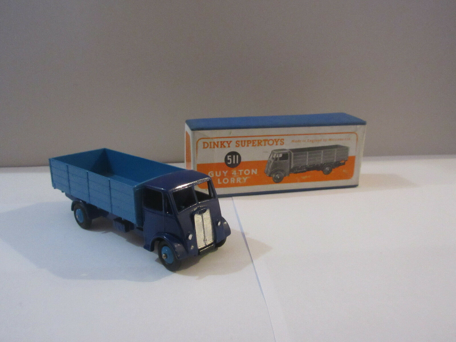 Dinky Supertoys 511 Guy 4 Ton Lorry - bluee, mint condition