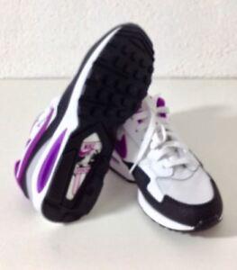 new product faf11 64cc1 Das Bild wird geladen Nike-Air-Max-ST-Running-Trainers-705003-104-