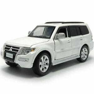 1-32-Mitsubishi-Pajero-SUV-Die-Cast-Modellauto-Spielzeug-Model-Sammlung-Weiss