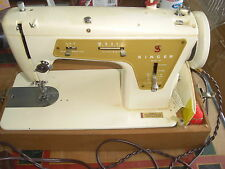 Vintage SINGER Fashion Mate Zig-Zag Model 237 Sewing Machine with carring case