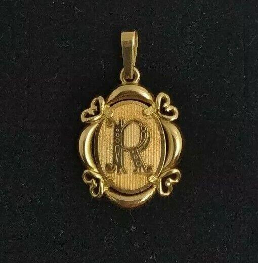 Pendant gold 18k. - Letter R
